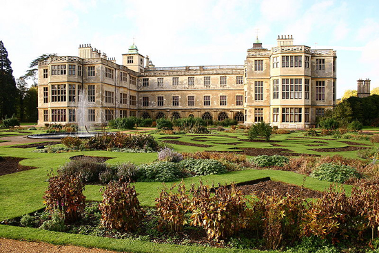 Audley End House Back - Foto de Cronwood - Wikipédia