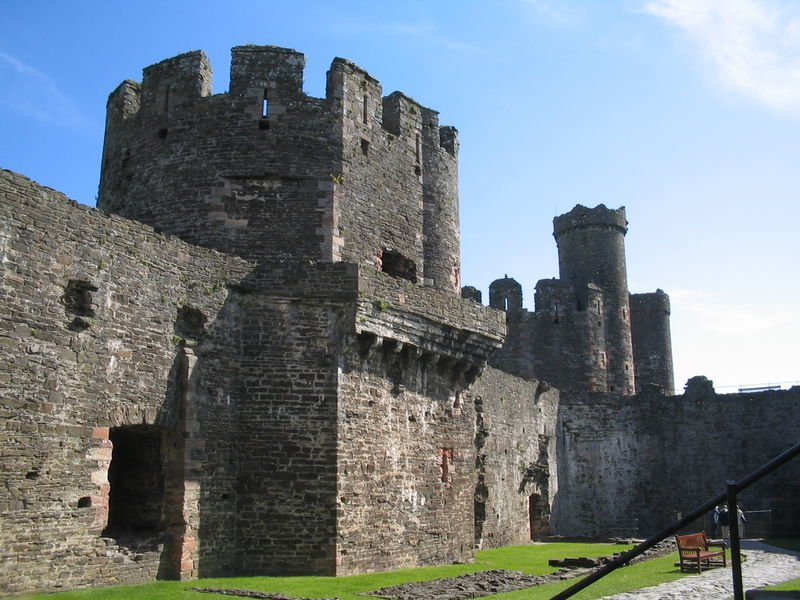 Castelo de Cornwall - Foto de David Benbennick - Wikipedia