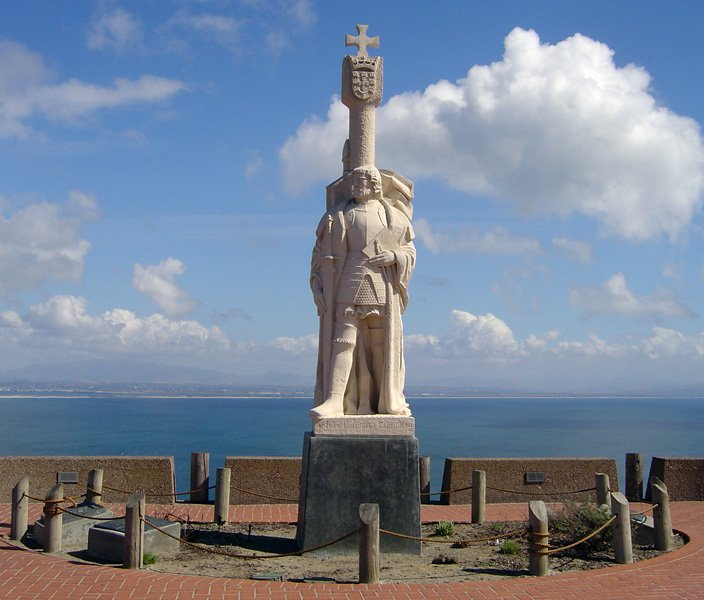 Monumento a Cabrilho (Point Loma) - San Diego - Foto de Francisco Santos - Wikipédia