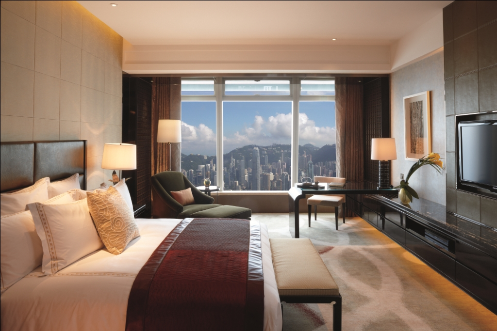 Ritz carlton hotel mais alto do mundo em hong kong for Chambre commerce international