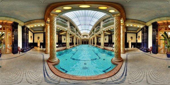 piscina-hotel-gellert
