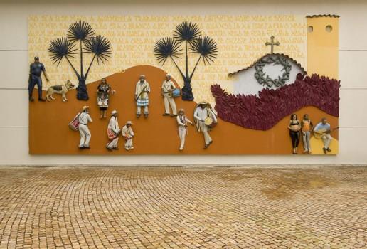 John Ahearn e Rigoberto Torres - Abre a Porta, tinta automotiva sobre fibra de vidro, 530 x 1500 X 20 cm, 2006. Foto: Eduardo Eckenfels ?4 - Site Oficial Instituto Inhotim