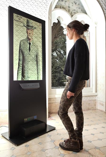 Palácio de Monserrate - Personagens virtuais interativas falam com os visitantes