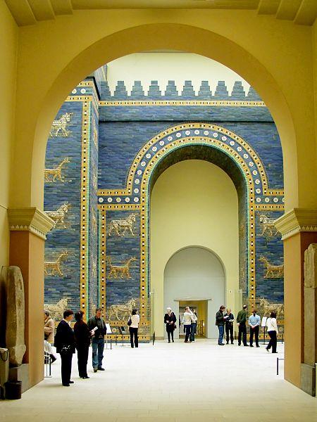 Porta de Ishtar - Atribuição: © Raimond Spekking / CC-BY-SA-3.0 (via Wikimedia Commons)