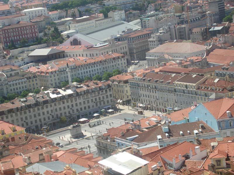 Praça da Figueira em Lisboa, vista do Castelo de São Jorge - Foto de António Pinheiro ©