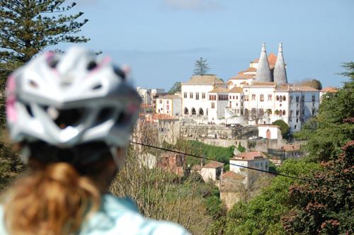 Bicicletas elétricas em Sintra permitem pedalar pela Serra sem esforço