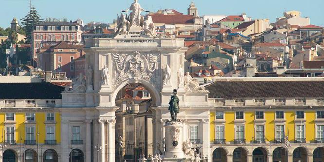 Lisboa é uma cidade ideal para visitar com amigos - Imagem Lisboa Turismo site Boas Notícias ©