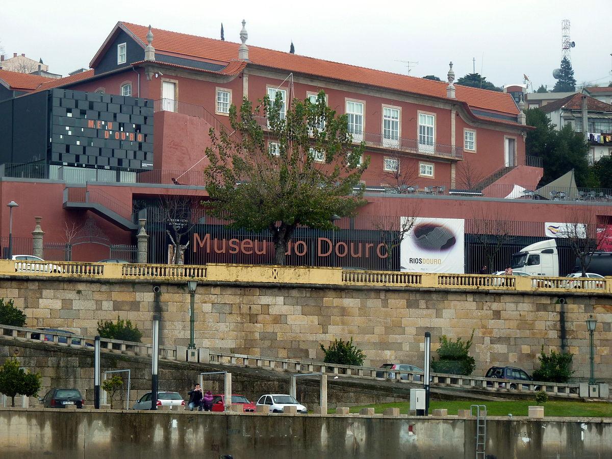 """""""Régua – Museu do Douro na Região do Alto Douro"""" por Duca696 – Obra do próprio. Licenciado sob CC BY-SA 3.0 via Wikimedia Commons."""